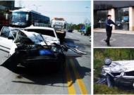 云南一客车抛锚遭野象突然袭击 挡风玻璃瞬间被撞碎